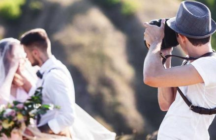 How Should Photographer Dress Up For A Wedding?